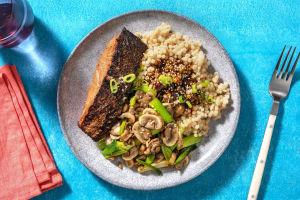 Filet de saumon mariné à l'asiatique et couscous perlé image