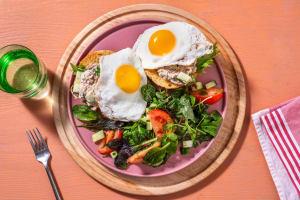 Salade de thon estivale sur petit pain à la carotte image