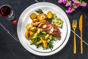 Hirschsteak mit Dijonbutter und Salbeikartoffeln image