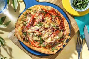 Pizza sur pain plat garnie de champignons et mozzarella image