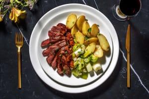 Hirschsteak mit Aprikosen-Zwiebel-Soße image