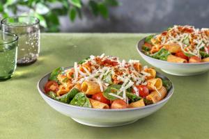 Spicy Rigatoni mit Spinat & Kirschtomaten image