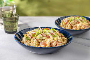 Fusilli in cremiger Bacon-Käse-Soße image
