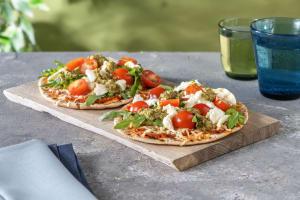 Pizzetta Bufala mit Kirschtomaten-Basilikum-Topping image