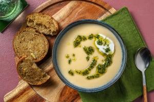 Soupe de panais à l'huile au romarin et à la truffe image
