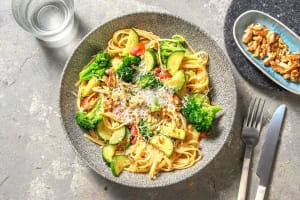 Romige linguine met broccoli en courgette image