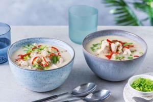 Tom Kha Gai! Thailändische Hähnchen-Kokos-Suppe image