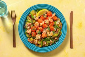 Crevettes à l'ail,  lardons et tomates cerises poêlées image