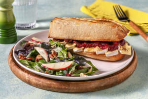 Camembert-Sandwich mit Feigen-Zwiebel-Relish image