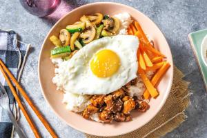 Bibimbap coréen au poulet image
