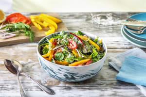 Bunter Salat mit cremigem Kräuterdressing image