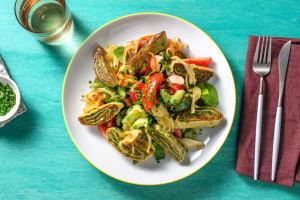 Bunter Salat mit Maultaschen & Schmelz-Zwiebeln image