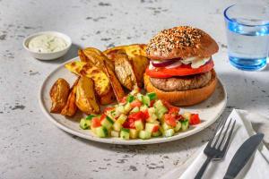 Burger mi-bœuf mi-champignons sur pain à la carotte image