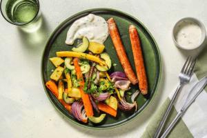 Classico-Bratwurst mit buntem Wurzelgemüse-Salat image