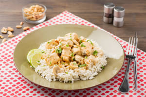 Cremiges Trutenbrust-Thai-Curry mit lockerem Basmatireis image