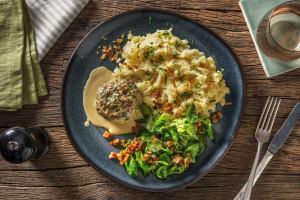 """Deftige """"Fleischpflanzerl"""" mit Kartoffelstampf image"""