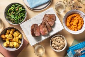 Faux-filet de bœuf, sauce forestière image