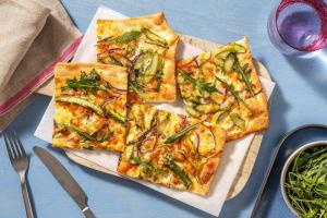 Flammkuchen mit grünem Spargel image