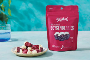 Freeze Dried Boysenberries with White Chocolate image