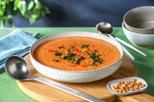 Frischer Gazpacho mit Pinienkernen image