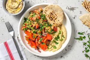 Geroosterde groenten met zelfgemaakte hummus image