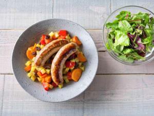 Groentestoofpotje met rundermerguezworstjes en frisse salade image