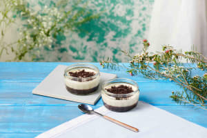 Gü Cookies & Cream Dessert image