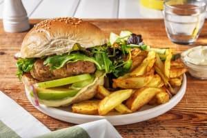 Zelfgemaakte hamburger met friet image