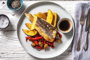Filet de merlu et poivrons aigres-doux à l'étuvée image