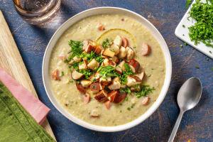 Käse-Lauch-Suppe mit Wiener Würstchen image
