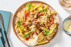 Kebab d'émincés végétariens & frites au four image