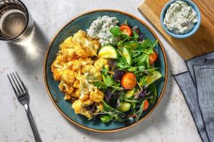 Knuspriger Blumenkohl mit Salat in Honig-Senf-Dressing image