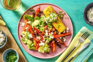 Limetten-Maiskolben und bunter Salat image