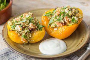 Mit Quinoa gefüllte Peperoni image