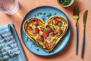 Moederdagtaartjes met aardbeien en nectarines image