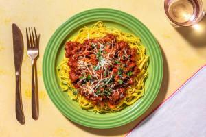 Bolognese mit Pilzen und frischen Linguine image