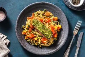 Pavé de saumon poêlé et spaghetti au pesto alla genovese image