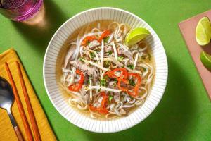 Phở vietnamien au boeuf & nouilles de riz image