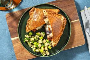 Pizza calzone met tonijn en mozzarella image