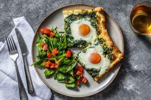 Plaattaart met spinazie en ei image