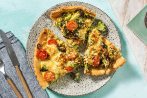 Quiche met broccoli en oude kaas image