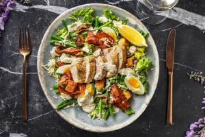 Salade César au poulet, lardons & croûtons maison image