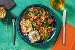 Salade de chèvre chaud, lard grillé & noix image