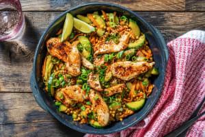 Salade de couscous perlé au poulet et vinaigrette aux saveurs asiatiques image