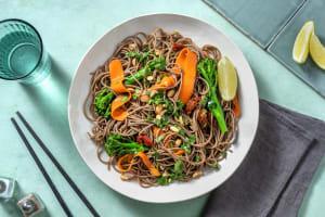Salade de nouilles soba & légumes croquants image