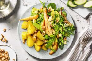 Salade met peer, pittige blauwe kaas en walnoot image