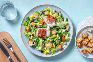 Salat mit Ziegenkäse im Speckmantel image