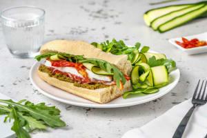 Sandwich pesto-coppa et fior di latte image