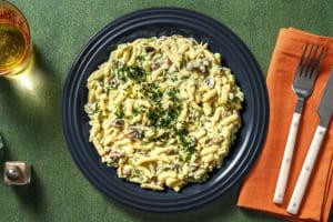 Schnelle Käsespätzlepfanne mit Bacon image