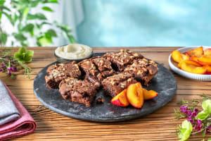 Schoko-Bohnen-Brownie mit karamellisierten Nektarinen image